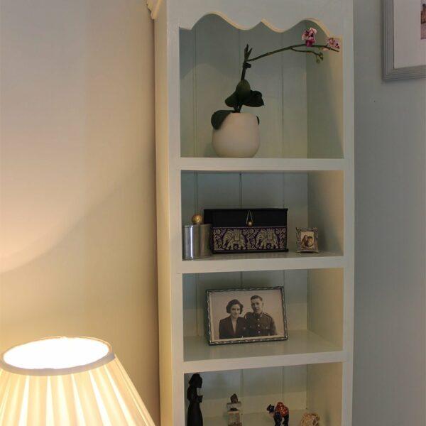 Thorndown-Green-Hairstreak-bookshelf