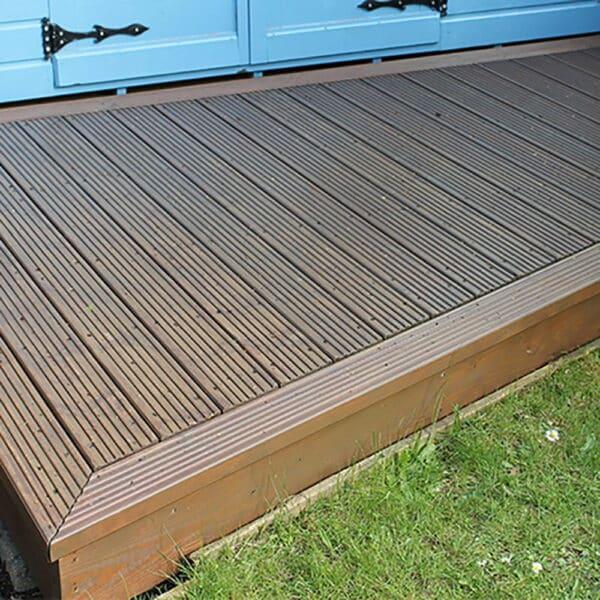 Thorndown-Rowan-Wood-Paint-decking