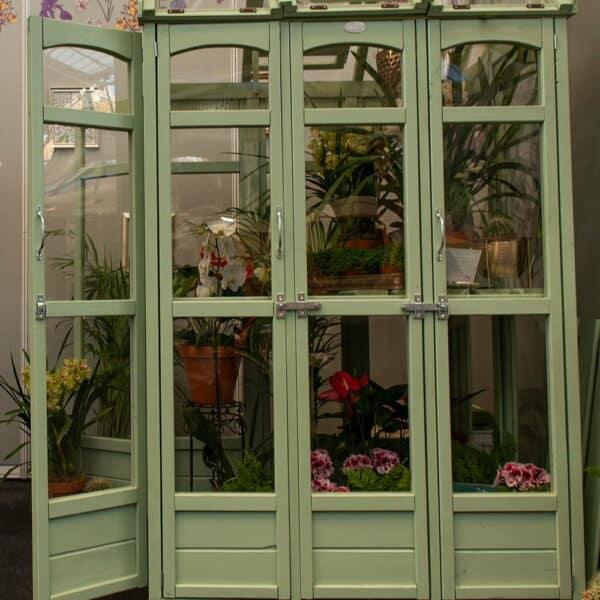 Thorndown-Sedge-Green-greenhouse