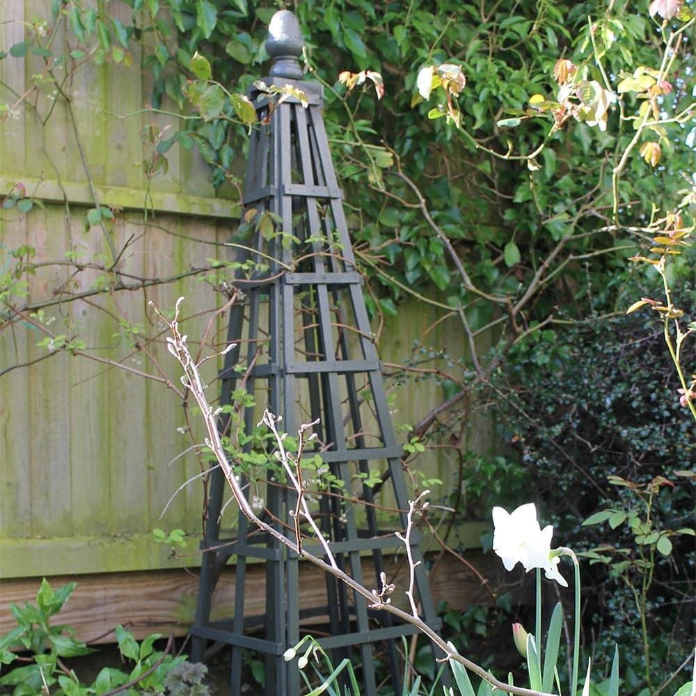 Thorndown-Yew-Green-Wood-Paint-obelisk