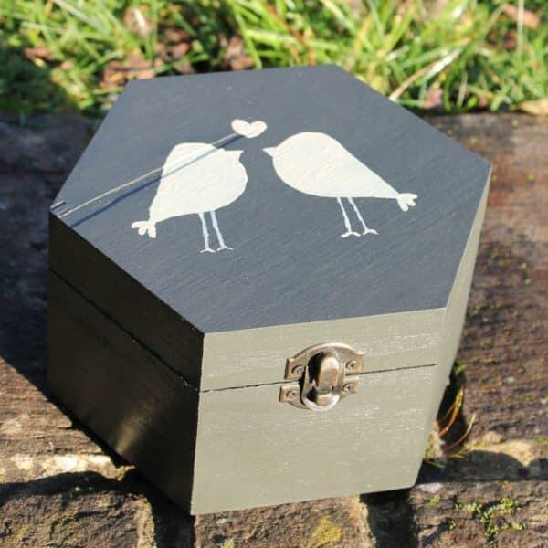 Thorndown-Yew-Green-wood-paint craft box