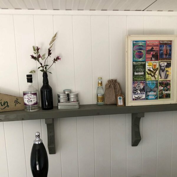 Anthracite-Grey-Thorndown-wood-paint-shelf-LYG2018ep7