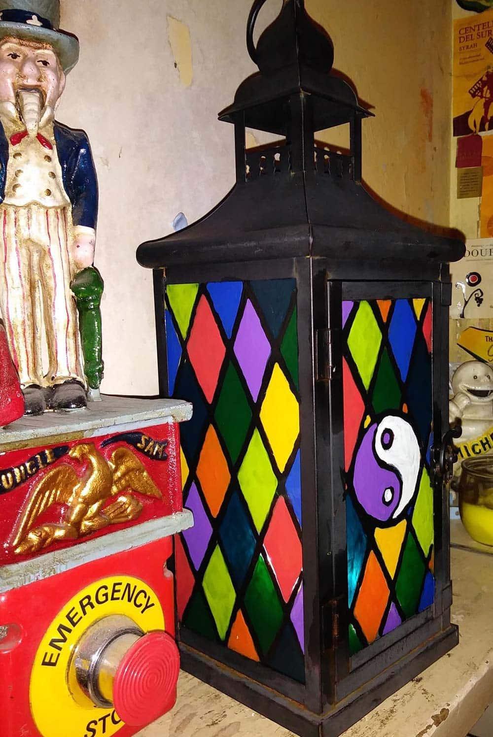 Lantern-with-translucent-Peelable-Glass-Paint-decoration