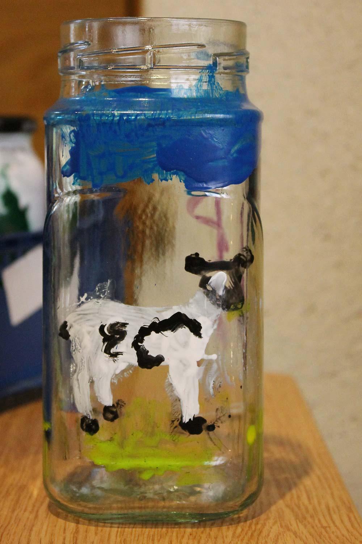 Peelable-Glass-Paint-lamb