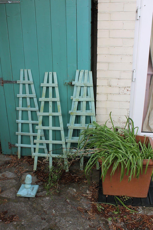 Green-obelisk-disassembled