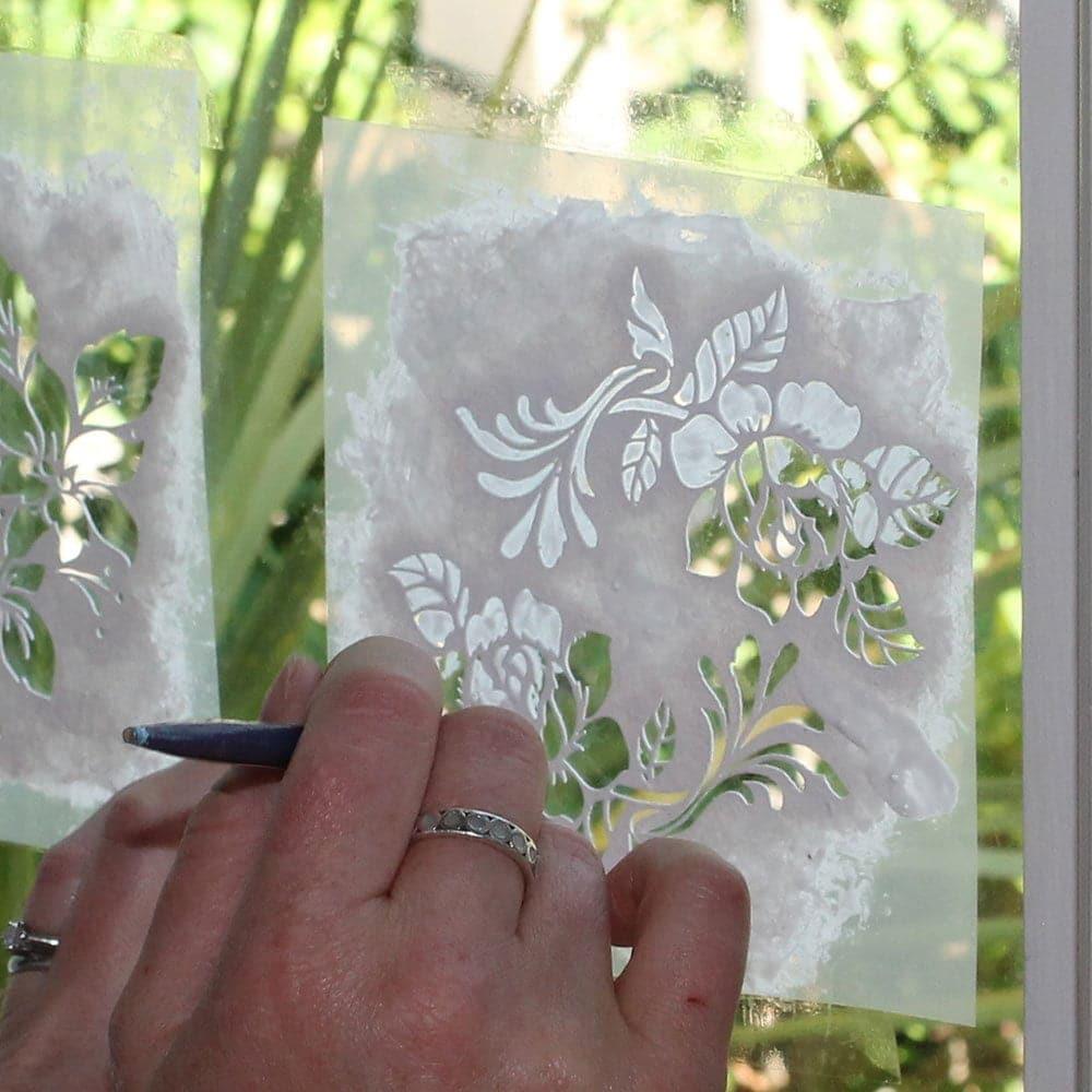 Keep-stencil-flush-to-glass