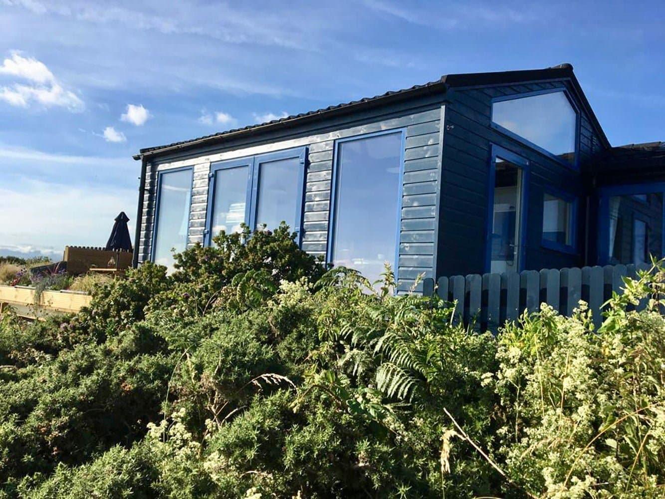 Thorndown-Bishop-Blue-wood-paint-on-cladding
