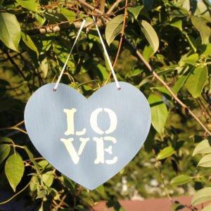 Thorndown-Peregrine-Blue-and-Bath-Cream-wood-paint-heart
