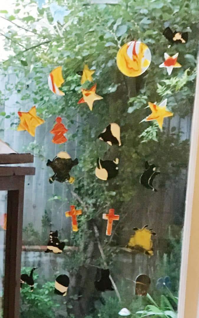 Thorndown-Peelable-Glass-Paint-Halloween-Window-Clings-on-window