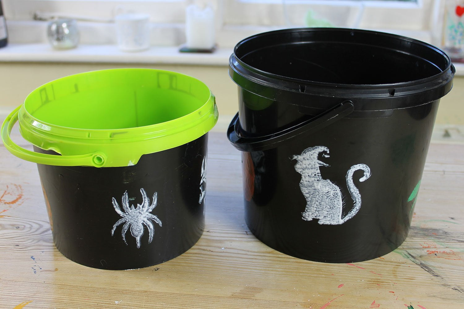 Trick-or-Treat-plastic-buckets-Peelable-Glass-Paint-sponged-on-White-Witch-stencils