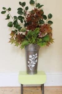 Golden-Floral-Sprig-in-Green-Hairstreak-Peelable-Glass-Paint
