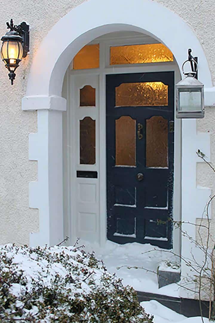 Thorndown-Bishop-Blue-front-door-in-snow