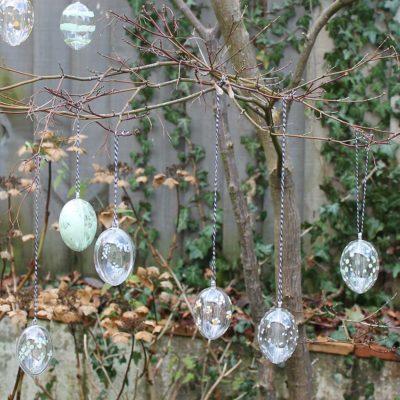 Thorndown-Peelable-Glass-Paint-flower-and-spots-Easter-Eggs