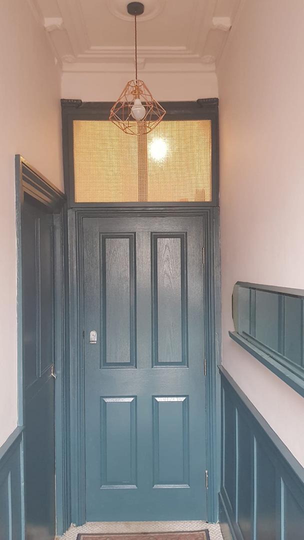 Thorndown-Avalon-Blue-wood-paint-with-Hallway-mirror