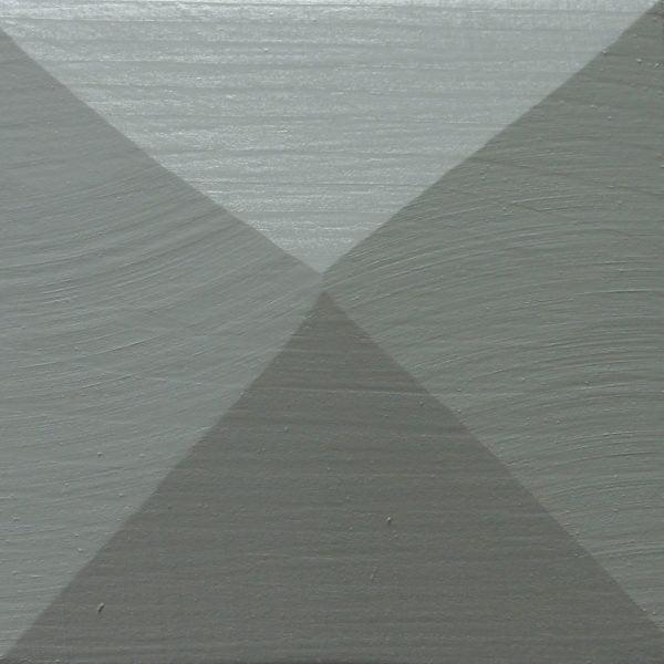 Thorndown-Grey-Heron-Wood-Paint-painted-pyramid