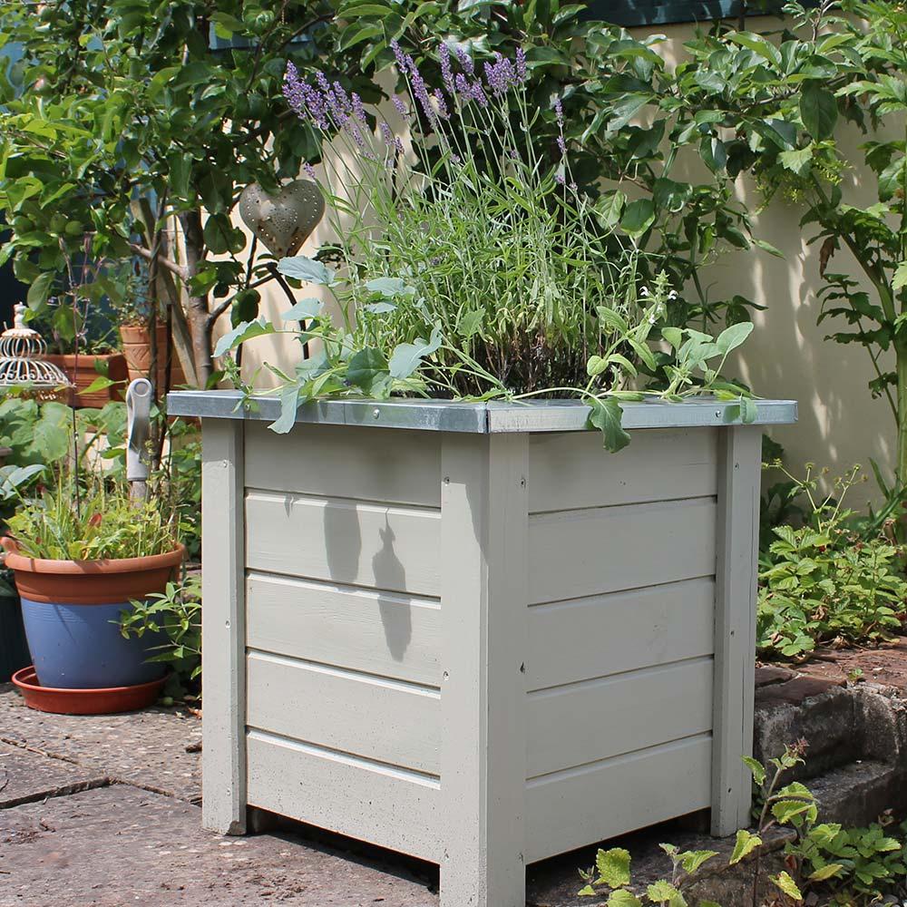 Thorndown-Ebbor-Stone-Wood-Paint-on-Forest-Planter