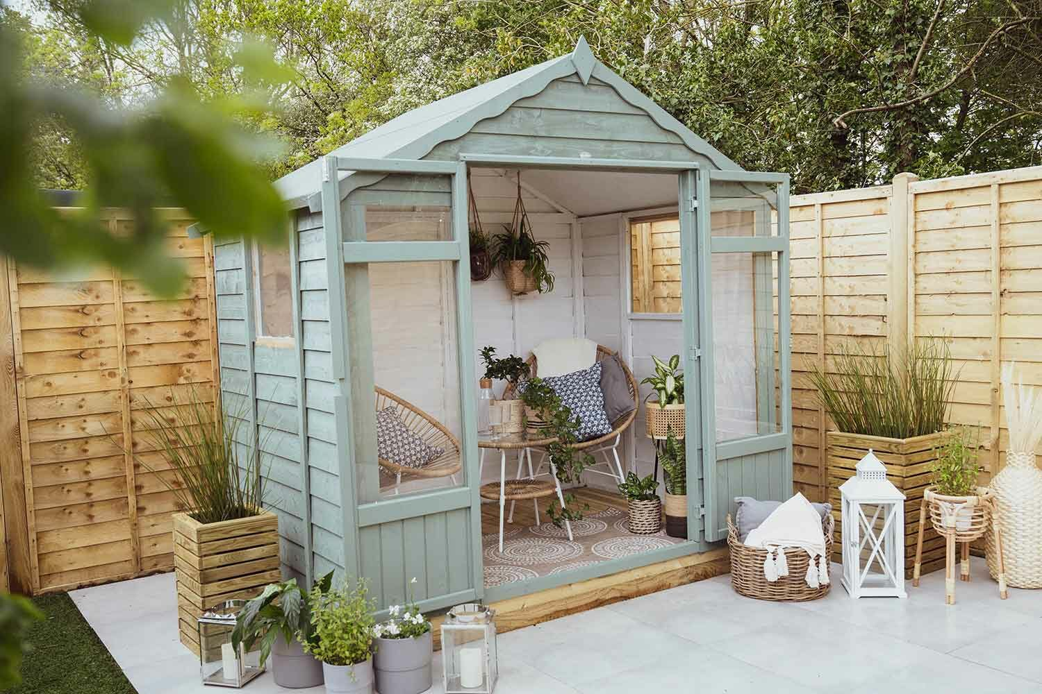 Thorndown-Bullrush-Green-and-RAL-9003-Wood-Paint-on-Oakley-Summerhouse_2