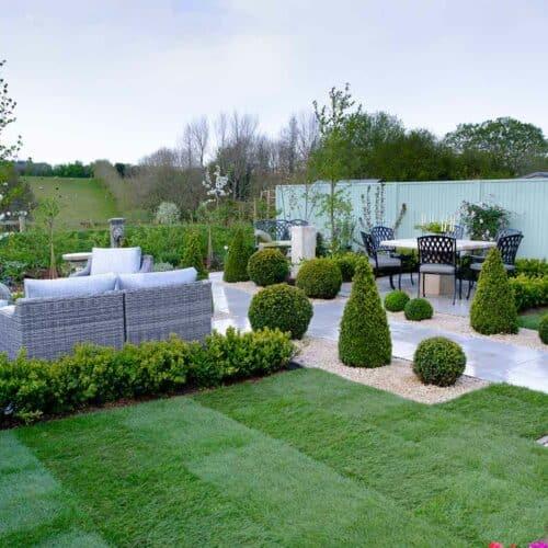 Thorndown-Goddess-Green-Wood-Paint-on-fence_Love-Your-Garden-Taunton3